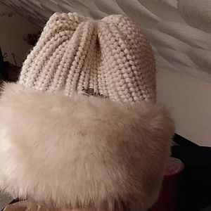 Guess winter hat